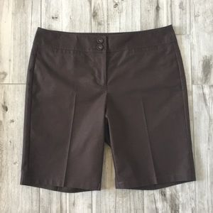 🆕 Ann Taylor Brown Bermuda Shorts Size 6